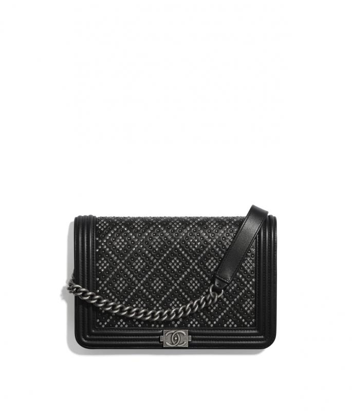 Calfskin, Studs, Strass & Ruthenium-Finish Metal Black BOY CHANEL Wallet on Chain (AP1117B0235594305)