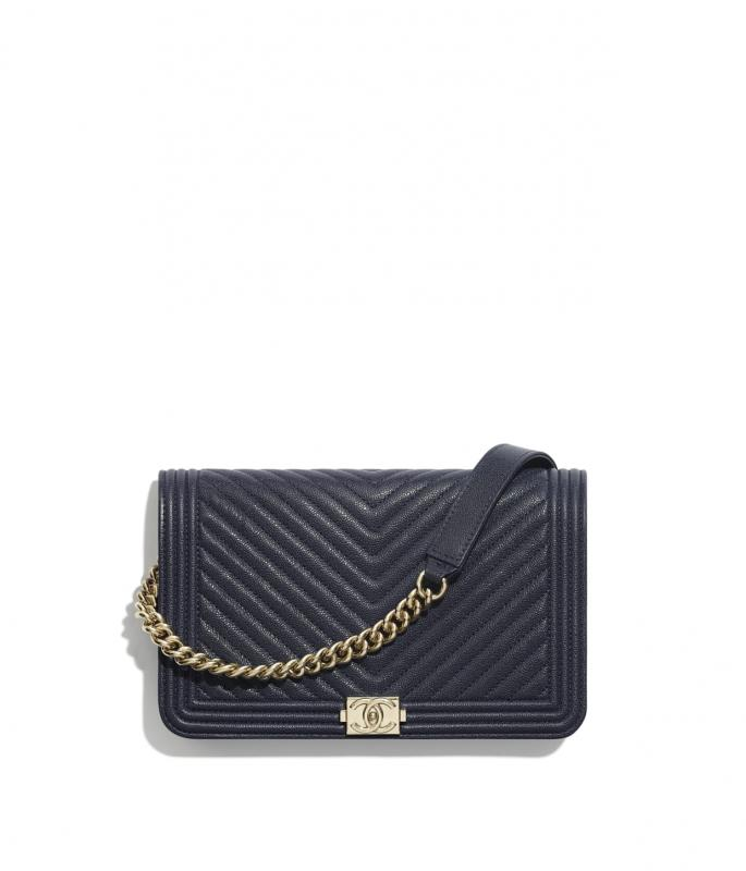 Grained Calfskin & Gold-Tone Metal Navy Blue BOY CHANEL Wallet on Chain (AP1117B00315N6517)