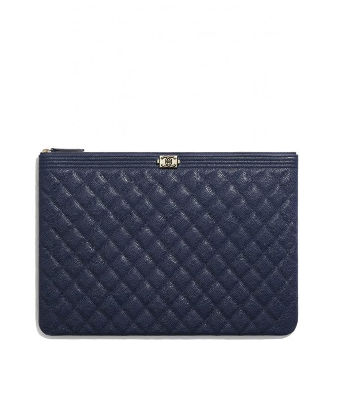 Grained Shiny Calfskin & Gold-Tone Metal Navy Blue BOY CHANEL Large Pouch (A84407B02275N5953)