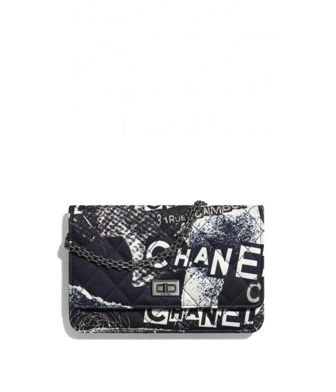 Printed fabric & ruthenium-finish metal White, Black, Navy Blue & Silver 2.55 Wallet on Chain (A70328B02396C0229)