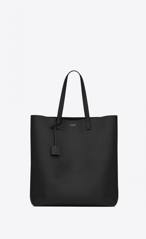 Medium convertible ID BAG in soft leather (565740CWTBD1000)